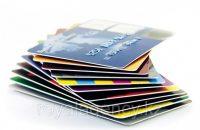 Как банк выпускает дебетовые карты?
