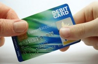Что значит минус на дебетовой карте Visa. Как не уйти в минус?